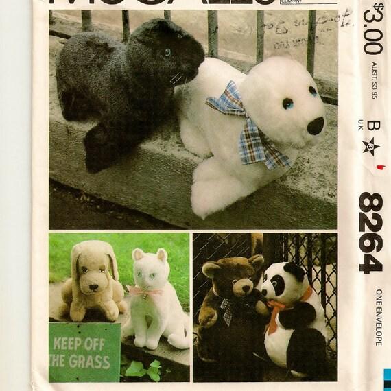 1982 Set of Suffed Animals Pattern - Uncut