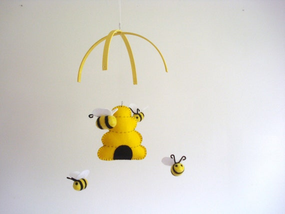 bee mobile nursery mobile baby mobile bumblebee mobile. Black Bedroom Furniture Sets. Home Design Ideas