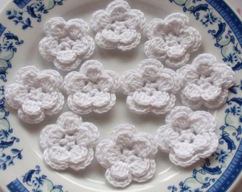 10 Crochet Flowers In White YH-030-01