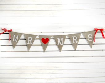 MR & MRS burlap banner - Wedding Banner - Rustic Wedding Burlap Sign- Photography prop- wedding photobooth props-wedding garland sign