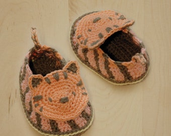 Crochet Baby Pattern Tiger Booties Newborn Slippers Preemie Socks Crochet Pattern Shoes Baby Moccasins Tiger Applique by Kittying