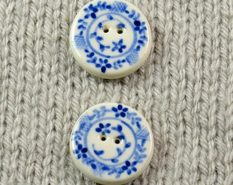 Handpainted round ceramic buttons wtih blue delft pattern, x 2