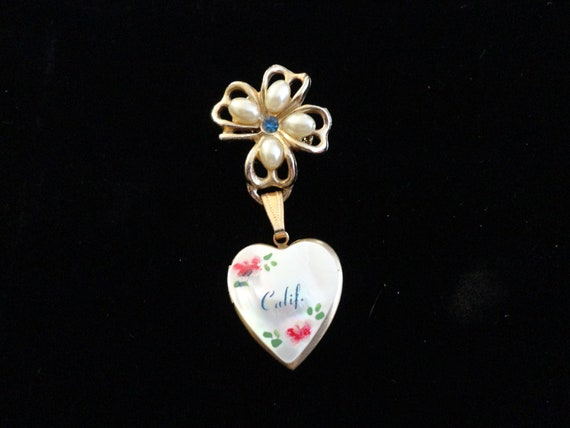 California Hand Painted Mother Of Pearl Gold Tone Lock Dangling Brooch (MM565)