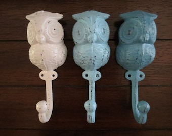 Set of 3/Owl Hook/Pick your Colors/Cast Iron Wall Hook/White and Blue/Shabby Chic Distressed/Towel Hook/Key Hanger/Jewelry Hanger/Nursery