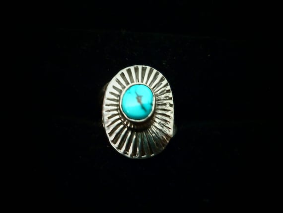 Authentic Navajo,Native American,Vintage looking,sterling silver, turquoise, oval domed ring.Size 5.