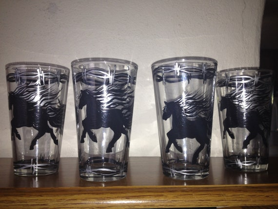 Hand painted horse drinking glasses by cowgirlupdesign on etsy for Hand painted drinking glasses