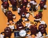 California Raisin Collectable Figurines (12) -