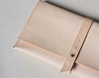 SALE 40% OFF (Defective) Minimaliste Hand Stitched Elegant Nude Clutch