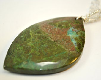 Green Collaprase stone Pendant Necklace on Sterling Silver chain
