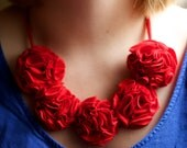 T-Shirt 5 Flower Necklace - Red
