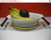FALL SALE Vintage Olive Medallion Pyrex Casserole Dish with Lid and Cradle 1.5 Qt  Promotional Pattern