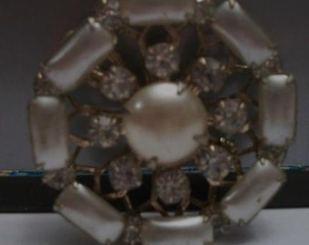 Vintage Rectangular Pearl Rhinestone Brooch Pin