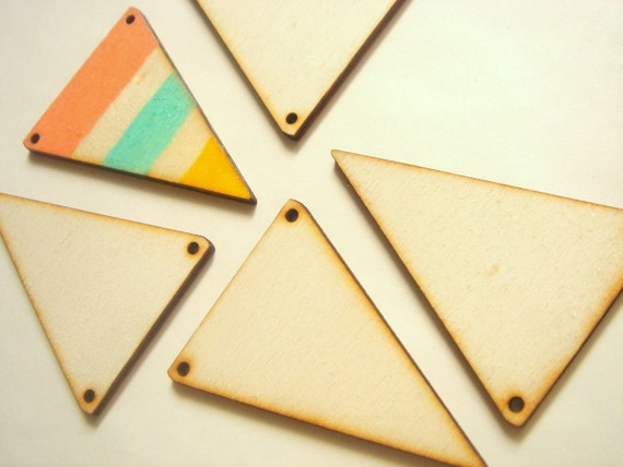 5 Wood Triangles Ready to be Painted, Unfinished Wood Triangles Tile for Jewelry,Geometric Jewelry, wood Triangles 4mm,