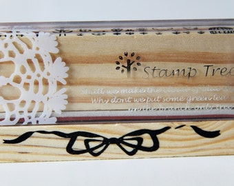 1 Wooden Rubber Stamp- Ribbon Bow. Border. Patterns - Scrapbooking. Cardmaking. Tag Making. Stamping
