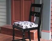 Lovely vintage hardwood side chair.