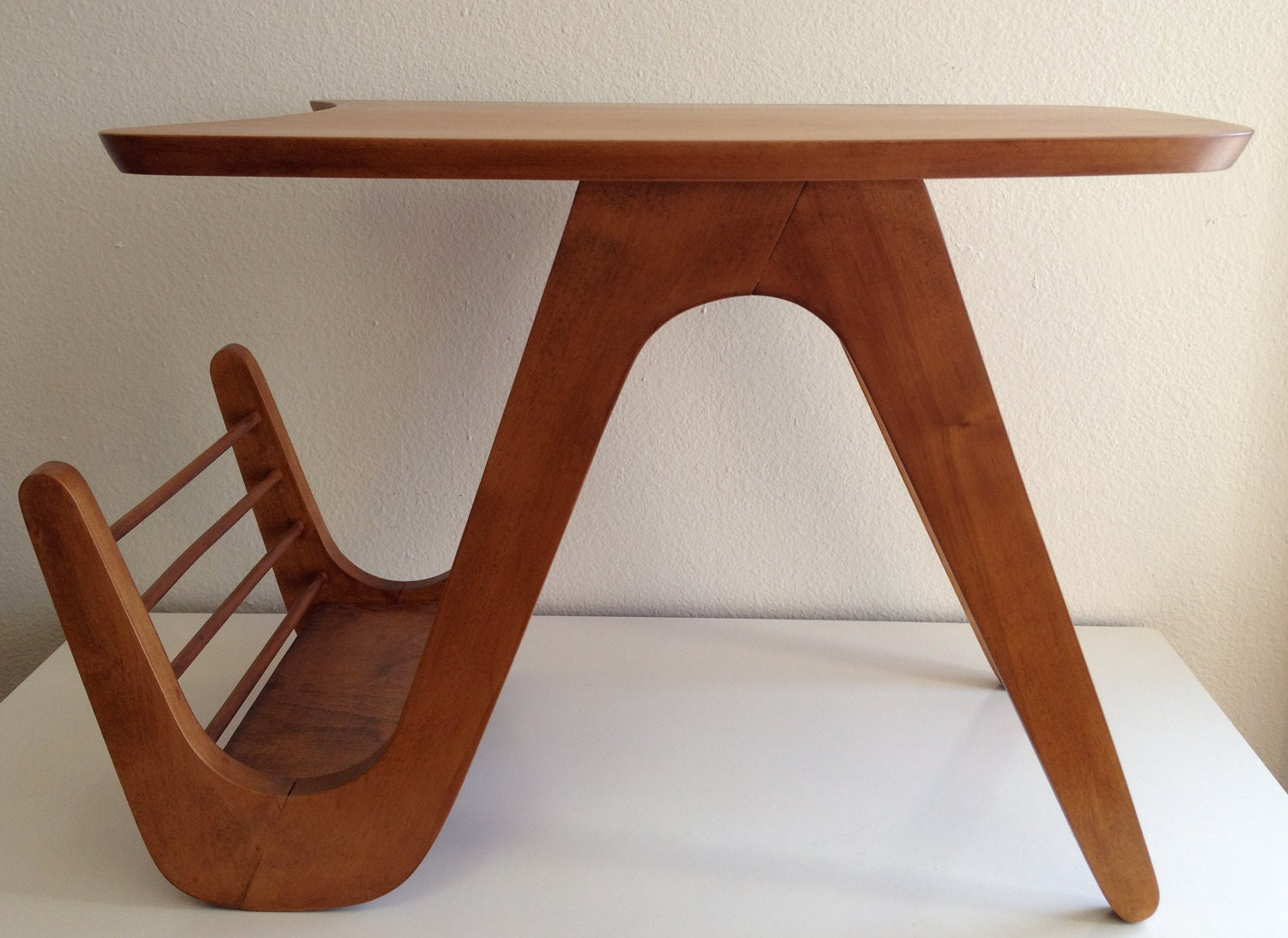 Wonderful image of Mid Century Modern Table w/ Magazine Rack by VestigeModern on Etsy with #481C10 color and 1500x1093 pixels