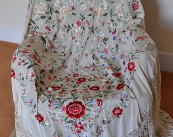 Hand embroidered spanish silk bridal wedding wrap flamenco piano shawl, mantones
