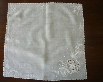 Vintage White Hanky Machine Embroidery Cutwork Pull Work