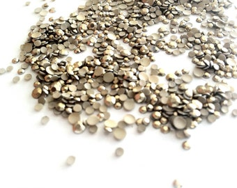 DIY Studs - 1000 Pcs Gold Round Mix of 3mm and 2mm Studs - Iron On, Hot Fix, or Glue On - Studs for iPhone Case, Sunglasses or Crafts.