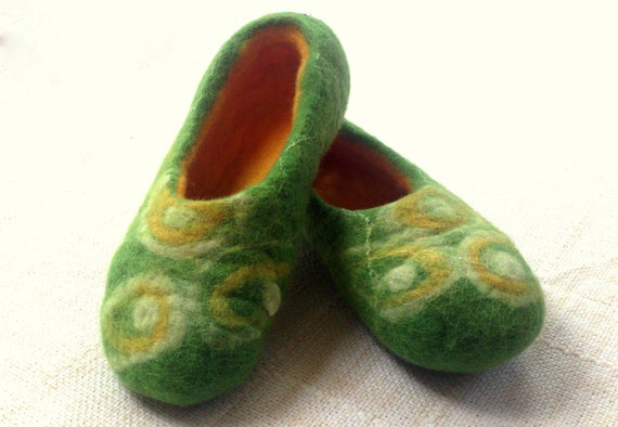 Handmade woollen felt slippers size 38 UK 5 from sheep wool