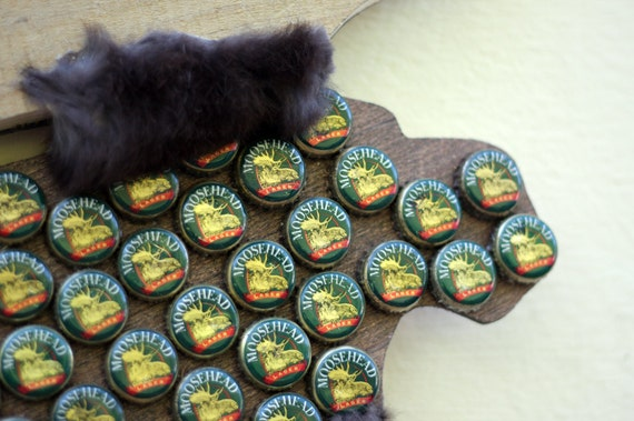 Items similar to recycled moosehead beer bottle cap moose for Can beer bottle caps be recycled