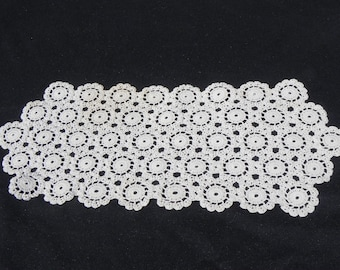 Vintage Place Mat Hand Crocheted Cotton Thread