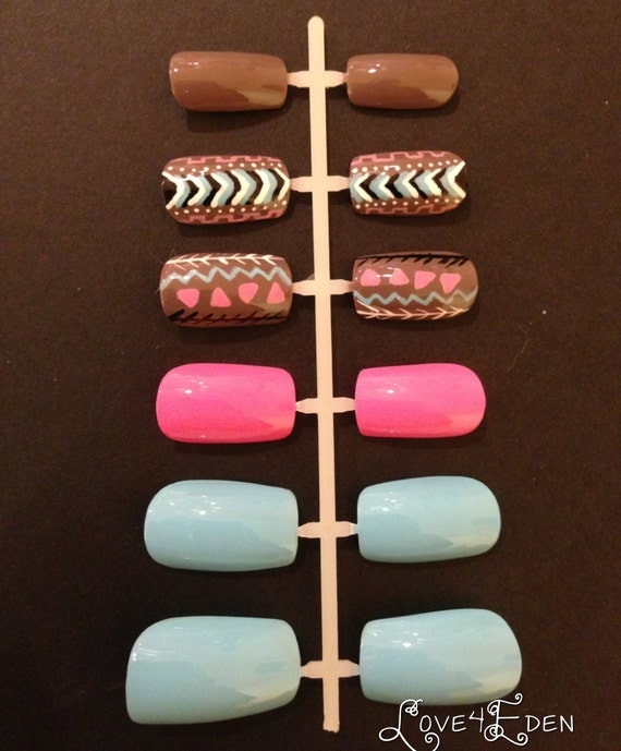 Hand Painted Fake Nail Set Flirty Tribal