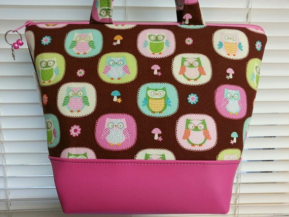 Insulated Lunch Bag,Vinyl Bottom, Owls, nylon liner with inner zipper pocket.