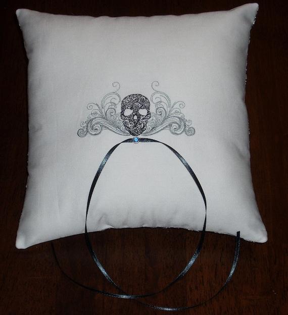 FOR HEATHERB0404 Goth Skull Ring Bearer Pillows