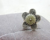Sea Urchin Ring - Green Flower
