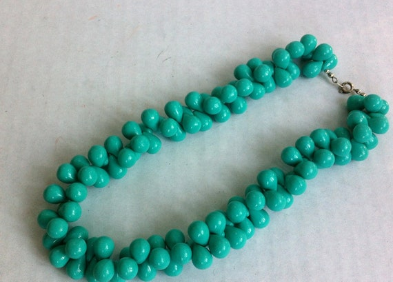 vintage costume jewelry necklace made of turquoise beads