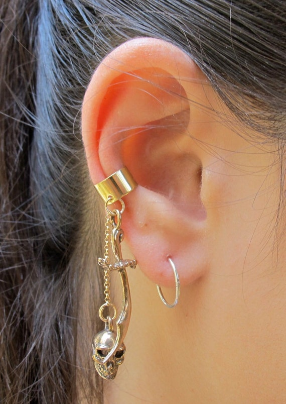Skull Ear Cuff Bronze Skull And Scimitar Ear Cuff Chain Ear Cuff Dangle Ear Cuff Sword Earring Pirate Jewelry Skull Jewelry Skull Earring