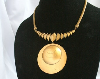 Vintage Joseff Hollywood Gold Disc Necklace Modernist High Fashion Egyptian Inspired Elizabeth Taylor Movie Star Gold Plated Glamour