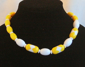 Vintage Yellow White Bead Necklace Lucite Bright Lemon Lucite Cute Spring Colors