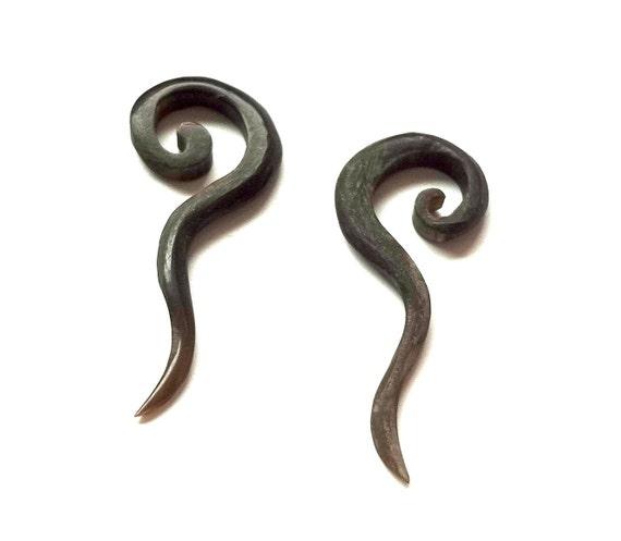 CURLY TRIBAL horn PLUGS - Tapered -6 gauge 6g earring piercing