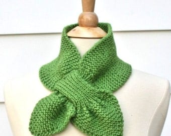 Spring green knit scarf - keyhole scarf - unique scarf - warm winter scarflette - women's scarf - women's winter accessory - knit ascot