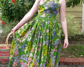 1970s Green Floral Long Sun Dress