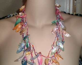 Vintage Necklace / Choker / Collar 3 Strands Mother Of Pearl Chunky Shells In Pastels Glass Seed Beads Glistening Rainbow Statement