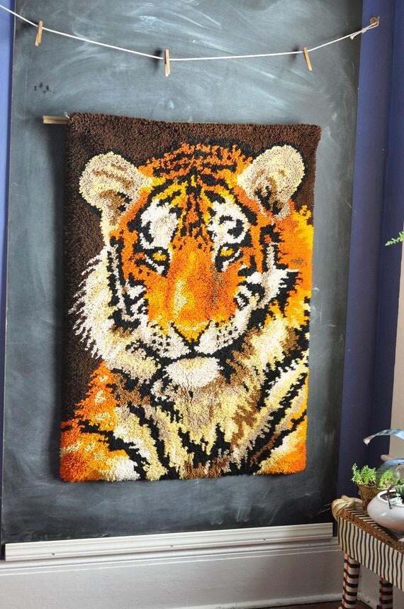 vintage huge tiger latch hook rug wall hanging by drowsyswords. Black Bedroom Furniture Sets. Home Design Ideas