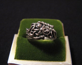 Vintage Modernist Sterling Silver Swirled Knots Ring. Size 5.5