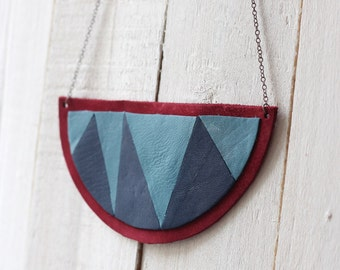 SALE Necklace in leather with geometric shape - blue & dark red