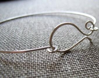 Elegant Sterling Silver Bangles. Modern Bracelet. Silver Bangle Clasp Bracelet - Artisan Bangle Bracelet - Omega Clasp Bracelet - Unique