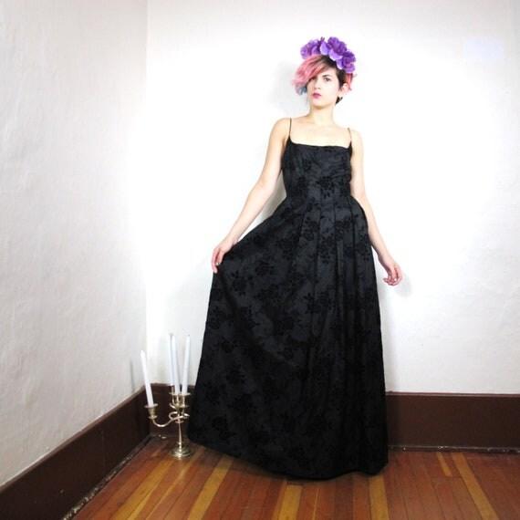 S A L E Black Floral Velvet Corset Back Crinoline Skirt Gown (Xs/S)