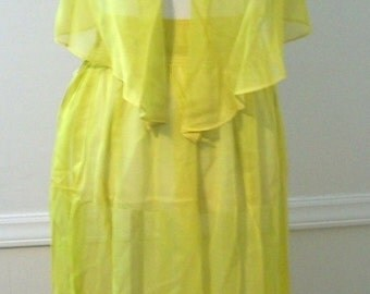 Vintage 60s canary yellow green 2 piece lingerie set - FREE shipping worldwide