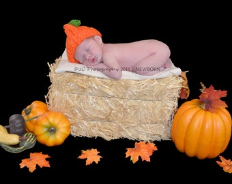 Fall......HALLOWEEN...... Newborn Size up to 12 Month ......Pumpkin Hat with Green Stem and Vine ...... PHOTO PROPS ....  Baby Boy or Girl