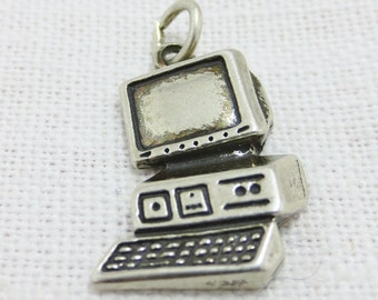 APPLE MAC COMPUTER - Vintage Sterling Silver Charm or Pendant
