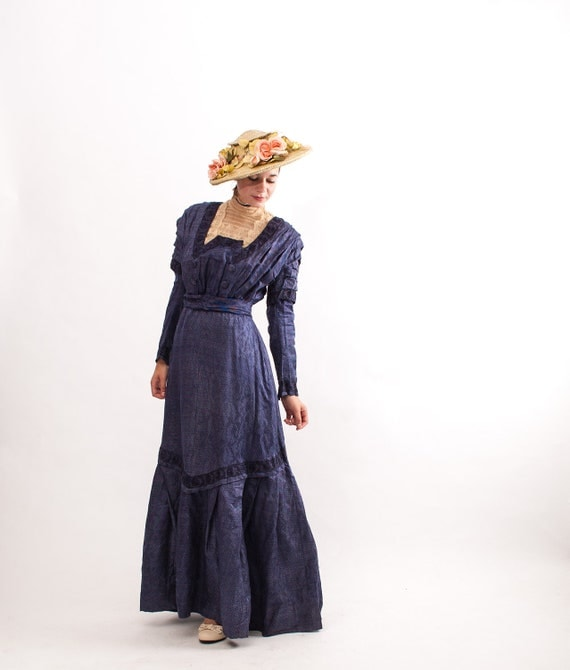 Antique 1800s Dress - Late Victorian Dress - Blue Polka Dot Silk - Pristine Condition