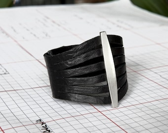Women's Leather Cuff Bracelet - Black  - Flare