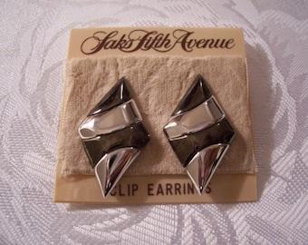 Black Smoke Diamond Shape Clip On Earrings Silver Tone Vintage Saks Fifth Ave Large Wide Band Swirl Layered Polished Design