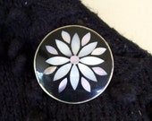 vintage Mexican enameled floral design brooch mother of pearl inlay